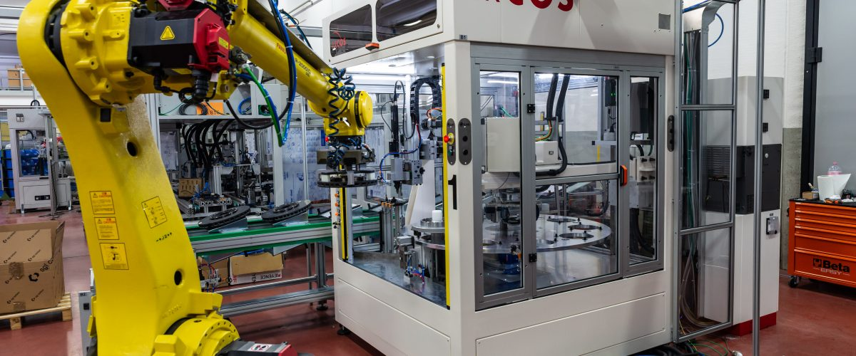 Industrial robotic automation: what it is and what are the benefits for industries