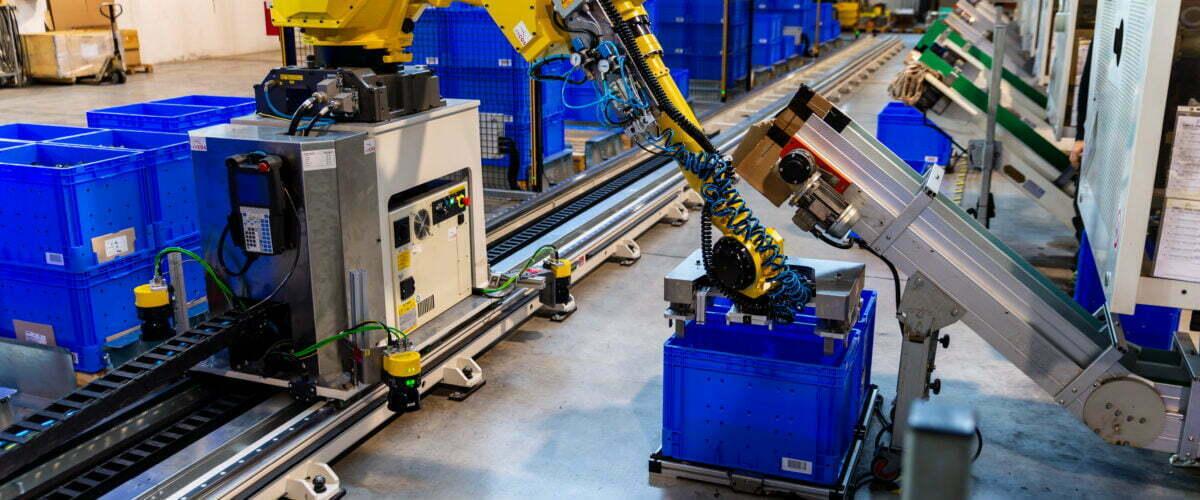 Asservimento centri di lavoro: soddisfa gli obiettivi di produzione con Arcos